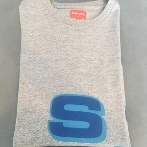 NWOT Supreme Logo Tshirt (XL)
